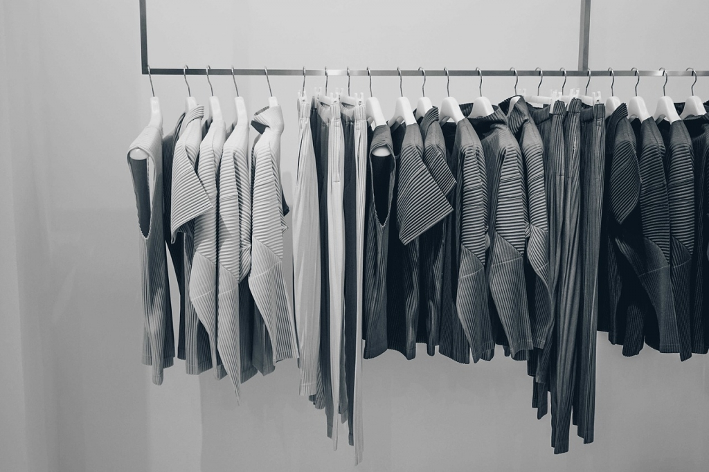 Find Online Clothing Store for Sale