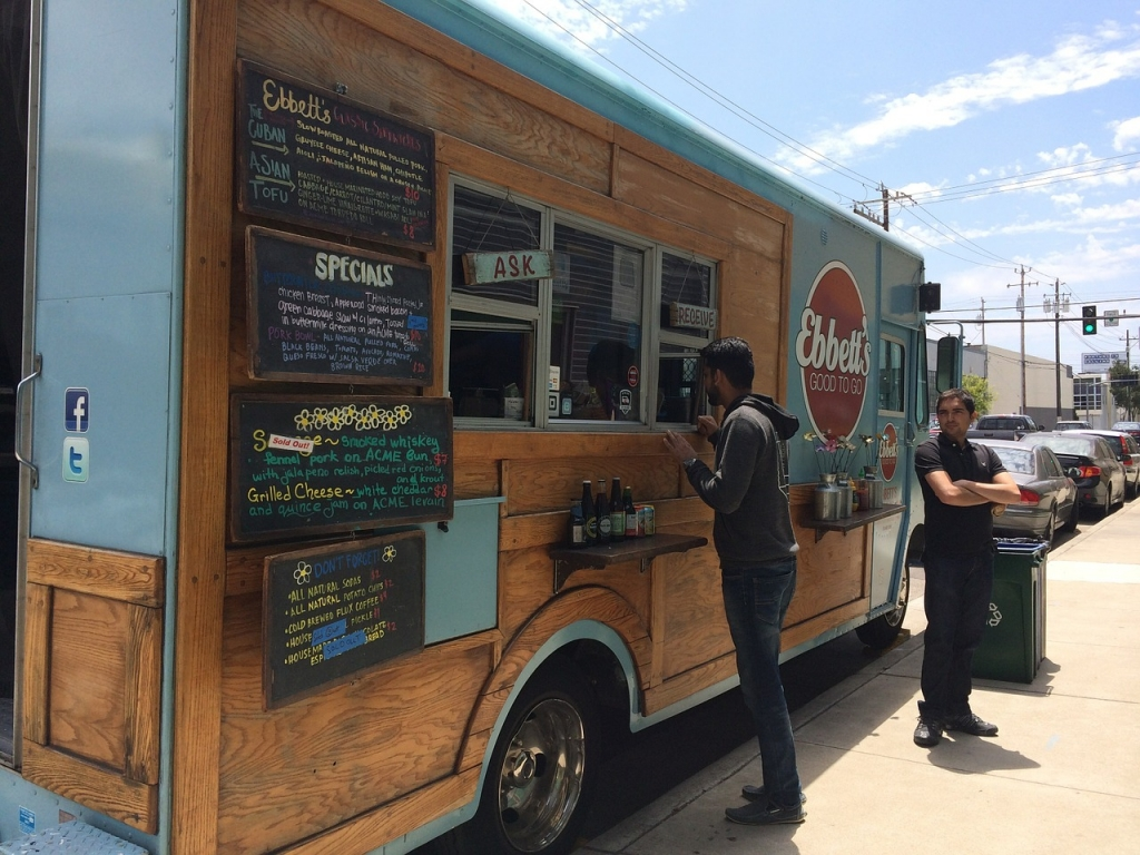 Food Truck in Excellent Condition Branded w/Social Media Following for Sale